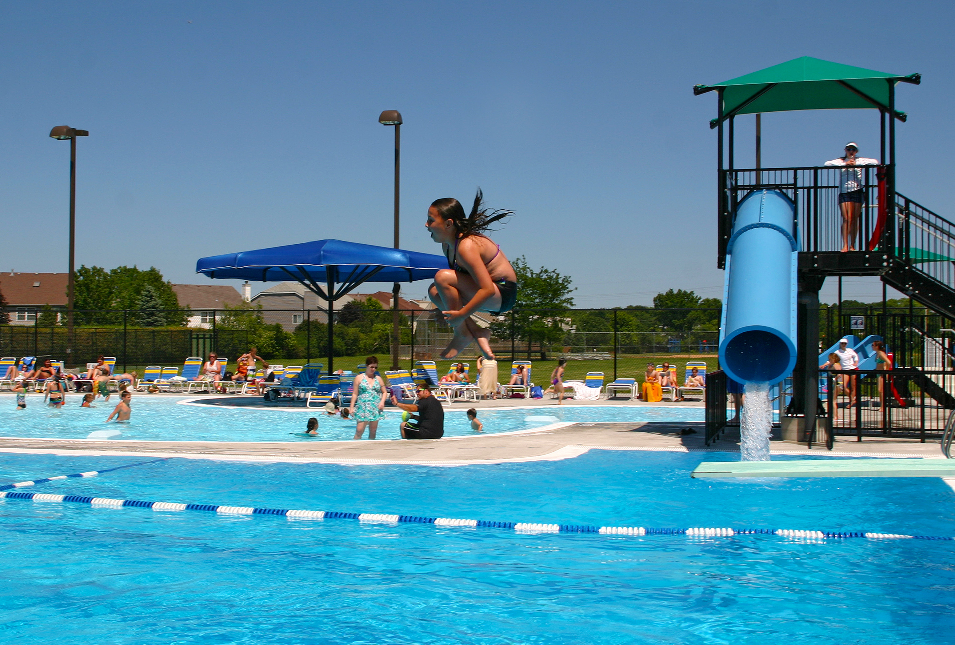 Public Swimming Pools With Diving Boards chippewa pool - des plaines park district