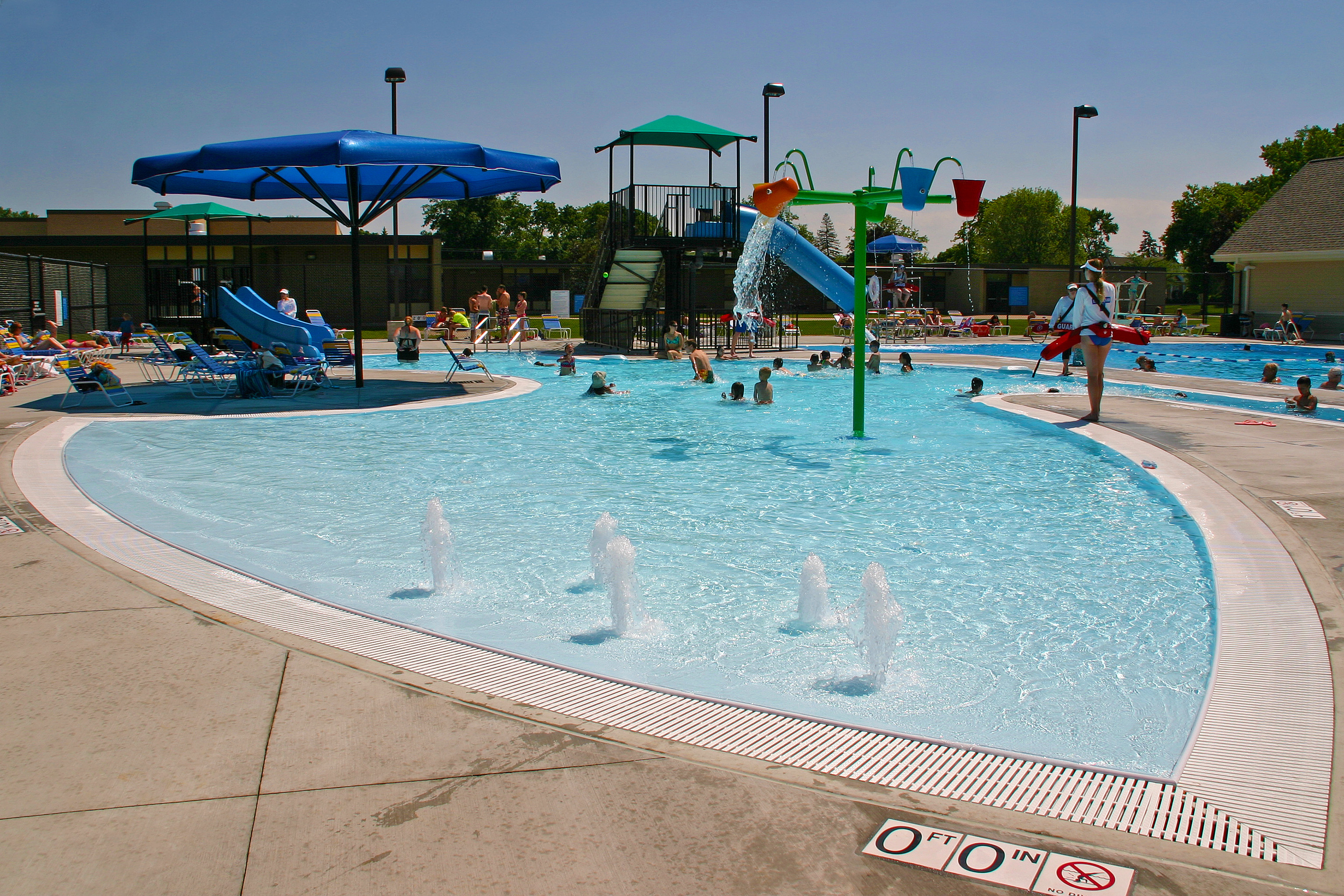 Chippewa pool des plaines park district - Lake district campsites with swimming pool ...